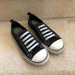 GAP boy Sz 13 sneakers elastic shoelace